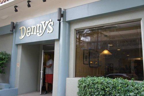 夏威夷歐胡島】Day4─Denny's早餐/waikiki海灘/california pizza ...