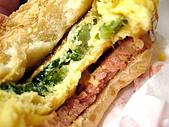 20090830-我來了,沖繩:JEF的苦瓜漢堡(外帶兼咬一口)