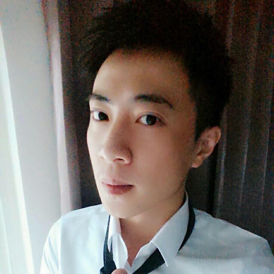 工作環境:台北知名酒店經紀梁曉尊 梁小尊.jpg