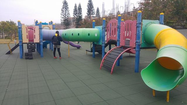 二三五新樂園3.jpg - 累積時間。累積幸福。滑梯之旅