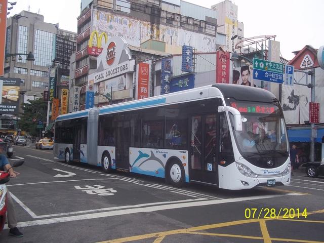 公車巴士-巨業交通:巨業交通  760-U8