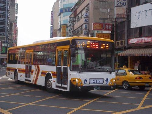 公車巴士-巨業交通:巨業交通 622-FX