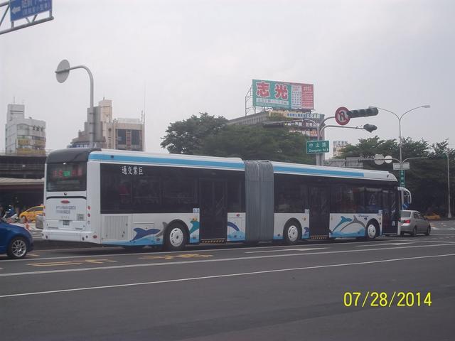 公車巴士-巨業交通:巨業交通 761-U8