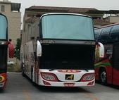 公車巴士-旅遊遊覽車( 紅牌車 ):旅遊遊覽車  KAA-3683