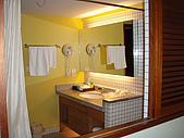 帛琉真美麗四日遊DAY1&DAY2:廁所的窗.JPG