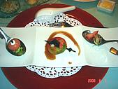 鬥牛士&頂級夏慕尼新香榭鐵板燒&佰鈺校友會IN義式古拉爵:前菜是魚子醬鮭魚球及鮮蝦水果盅和鵝肝冰酒凍.jpg