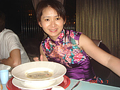 鬥牛士&頂級夏慕尼新香榭鐵板燒&佰鈺校友會IN義式古拉爵:佳燕點的花椰菜海鮮濃湯味道還OK.JPG