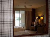 帛琉真美麗四日遊DAY1&DAY2:從廁所就可以開窗看到房間了.JPG