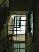 94年獨立室內設計作品(新營黃公館獨棟設計):主臥梯間-2