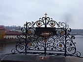 20101107捷克蜜月行(六)布拉格市區、伏爾他瓦河遊船:P1030024.JPG