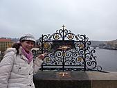 20101107捷克蜜月行(六)布拉格市區、伏爾他瓦河遊船:P1030036.JPG
