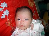 200602小昀昀的生活點滴:我的樣子可愛吧!