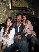 壽星-阿萱:09-04-11_ㄚ萱提前慶生in HolidayKTV (19