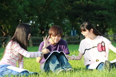 MIS小組討論之外拍照:12-04-30_MIS小組討論外拍照 (21).JPG