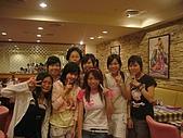 06-09-02_小二聚餐〃慶生 :女生合照