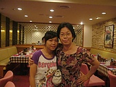 06-09-02_小二聚餐〃慶生 :2位壽星^^