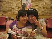 06-09-02_小二聚餐〃慶生 :燕茹&她朋友