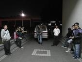 登宇生日趴:一群人等車準備出發!