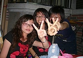 06-04-20_臉紅通通の(醉..) :芮琳 & 秀秀 & 奶奶