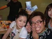 私人聚會:江小瓜+小球...新台幣真是愛搶鏡頭....JPG