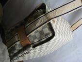 LV經典熱賣男包-全部現貨-實物拍攝 :包包89號 & LV經典白格斜跨包尺寸長28寬26厚15CM=2500 (1).jpg
