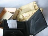 LV短夾-全部現貨-實物拍攝 :皮夾2號 LV M32606 黑色十字紋短夾=1000 (2).jpg