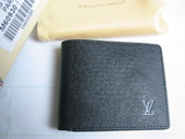 LV短夾-全部現貨-實物拍攝 :皮夾6號 LV M60930 黑色十字紋名片夾 卡片夹=850.jpg