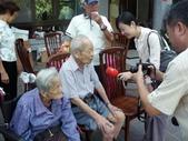 採訪活動照:百歲人瑞夫妻檔