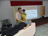 採訪活動照:心理諮商所林啟鵬所長主講~做孩子的親密知己