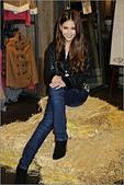 2011.10.23 中和環球購物中心 Earl Jean:hd-showgirl.com_DSC_6695.jpg