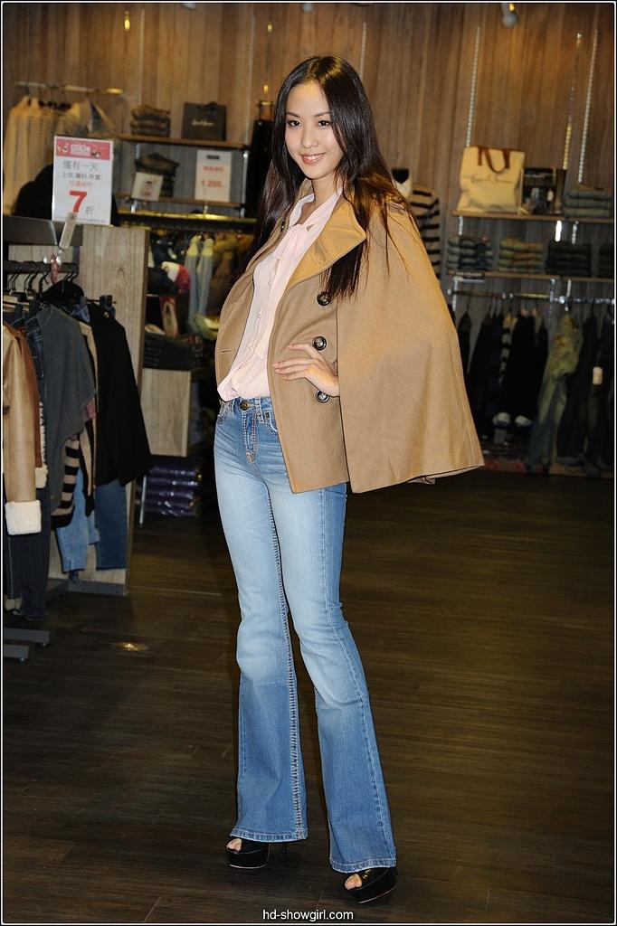 2011.10.23 中和環球購物中心 Earl Jean:hd-showgirl.com_DSC_6640.jpg