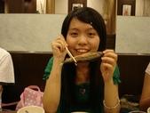 英文營聚餐:可愛的吃魚樣