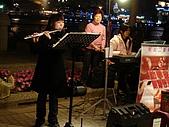 愛河聖誕夜:美妙的歌聲