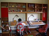 方爸爸小寶貝們的書房(980428):小寶貝的東西擺上去了!!