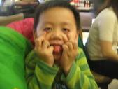 2010.03.13回板橋:2010.03.13於雙十路貴族世家牛排館 (12).JPG