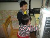 2010.03.13回板橋:2010.03.06於板橋宅玩電玩.JPG