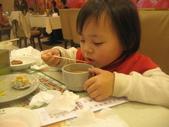 2010.03.13回板橋:2010.03.13於雙十路貴族世家牛排館 (1).JPG