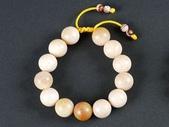 印尼玉石:珊瑚玉手鍊