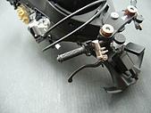1/12 Yamaha YZR-M1 04 製做公開:另一把手也是有銀線裝飾!