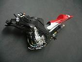 1/12 Yamaha YZR-M1 04 製做公開:瞬間各個噴色好的零件組裝起來就變這樣!