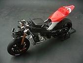 1/12 Yamaha YZR-M1 04 製做公開:上方角度偷窺?