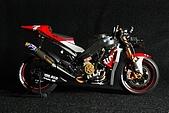 1/12 Yamaha YZR-M1 04 製做公開:DSC_4626