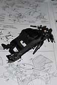 1/12 Yamaha YZR-M1 04 製做公開:油箱與手把裝上骨架