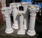 雕像 羅馬柱 噴水池出租/出售:羅馬柱台-----F.R.P.材質,B 05  14Dx12Dx77cm  底部27x頂部24cm  租金:1,200  M3.2,have 2 pcs.