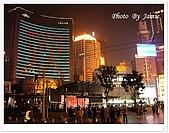 上海12日遊:步行區左右側建築