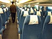 上海浦東磁浮列車:坐位左半部三排
