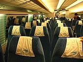 上海浦東磁浮列車:坐位右半部三排