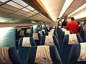 上海浦東磁浮列車:車內裝潢很讚