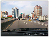 寶貝愛車全記錄:洗過車的窗戶好乾淨.jpg