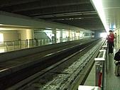 上海浦東磁浮列車:列車進站入口大視野